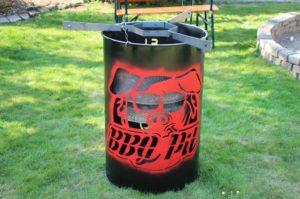 BBQPit Feuertonne personalisiert Stahltonne Ölfass Feuerplatte