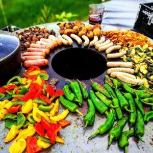 Grillen auf der Feuerplatte von Grillrost.com